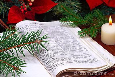 bible-christmas-arrangement-12039176