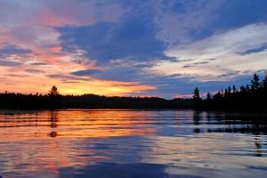 Sunrise_on_Island_Lake_V_-_ILC_2009